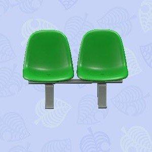 パブリックベンチ緑